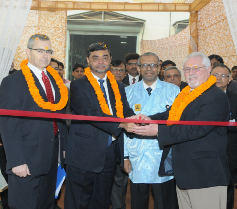 Mr. Melvin French, Mr. S.P. Shukla, Mr. HJ Kamath and Mr. Joseph Battaglia (l-r) inaugurate the new Mahindra Telephonics facility in Prithla, India (Photo: Business Wire)