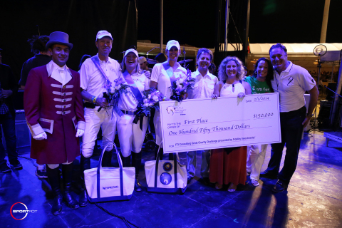 The winning presentation with ringmaster Gustavo Murcia, riders Ian Millar, Emily Kinch and Kelly Soleau, Greg Weiss, Kristin Solomon and Diana Reese for Speak Up for Kids, and Equestrian Sport Productions' CEO Mark Bellissimo. Photo © Sportfot (Photo: Business Wire)
