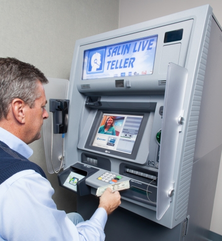 Salin Live Teller expands hours to 9:00 p.m. (Photo: Business Wire)