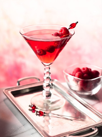 Make your sweetheart swoon and your immune system boom with this delicious cranberry cocktail at oceanspray.com. (Photo: Business Wire)