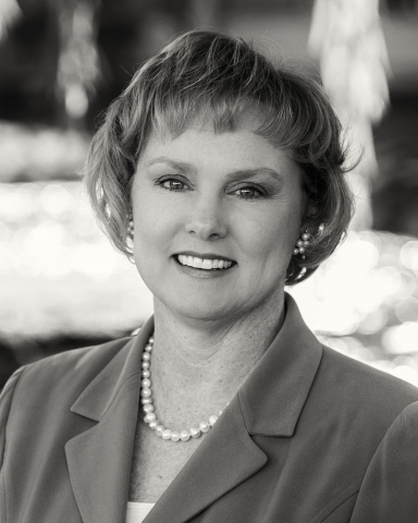 Mary Beth Downs, VP, Account Executive, Team Lead - General Business (Photo: Business Wire)