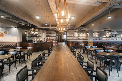 Starbucks Southeast Asia growth momentum continues with 100th store opening in Singapore at the Fullerton Waterboat House.  (Credit: Starbucks Coffee Company)