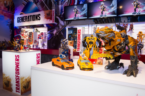 Hasbro, Inc. unveiled new toys from the TRANSFORMERS: Age of Extinction movie (out June 27) during the American International Toy Fair in New York City on February 15, 2014. The line includes toys that allows kids to quickly and easily convert their figures from robot to vehicle or dinosaur mode, including One-Step Changers and STOMP 'N CHOMP GRIMLOCK. The movie toy line figures will be available in May 2014. (Photo: Business Wire)