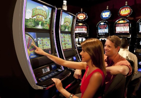 Miami Valley Gaming selected Bally Technologies' iVIEW DM and Elite Bonusing Suite to offer exciting player experiences such as floor-wide tournaments and unique bonusing opportunities. (Photo: Business Wire)