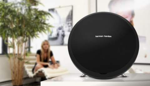 The Harman Kardon® Onyx Studio™ Bluetooth portable speaker delivers rich and realistic four-channel sound and includes a rechargeable lithium ion battery with up to five hours of playing time. (Photo: Business Wire)