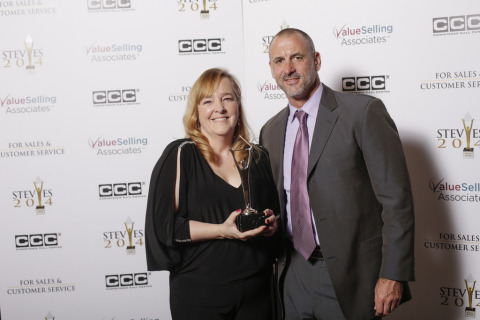 From left to right: Lisa Conners, Senior Director, Customer Service for DHL Global Forwarding U.S. and Adam Elseroad, U.S. Customer Service Project Manager for Quality, Planning, Analysis & Reporting for DHL Global Forwarding accepted the Silver Stevie Award for Innovation in Customer Service on February 21. (Photo: Business Wire)