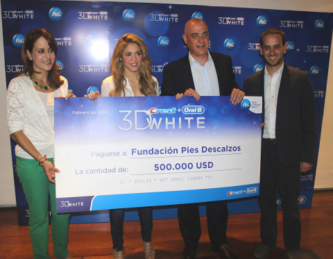 Oral-B and Crest 3D White donate $500,000 (USD) to benefit The Pies Descalzos Foundation, created by global-recording artist and 3D White Global Ambassador Shakira, at an event in Cartagena, Colombia. From left to right: Isabella Grueso, Communications Associate Director P&G Colombia; Shakira; Juan Carlos Trujillo, General Manager P&G Colombia; Juan Carlos Restrepo, Oral-B Brand Manager Colombia (Photo: Business Wire)