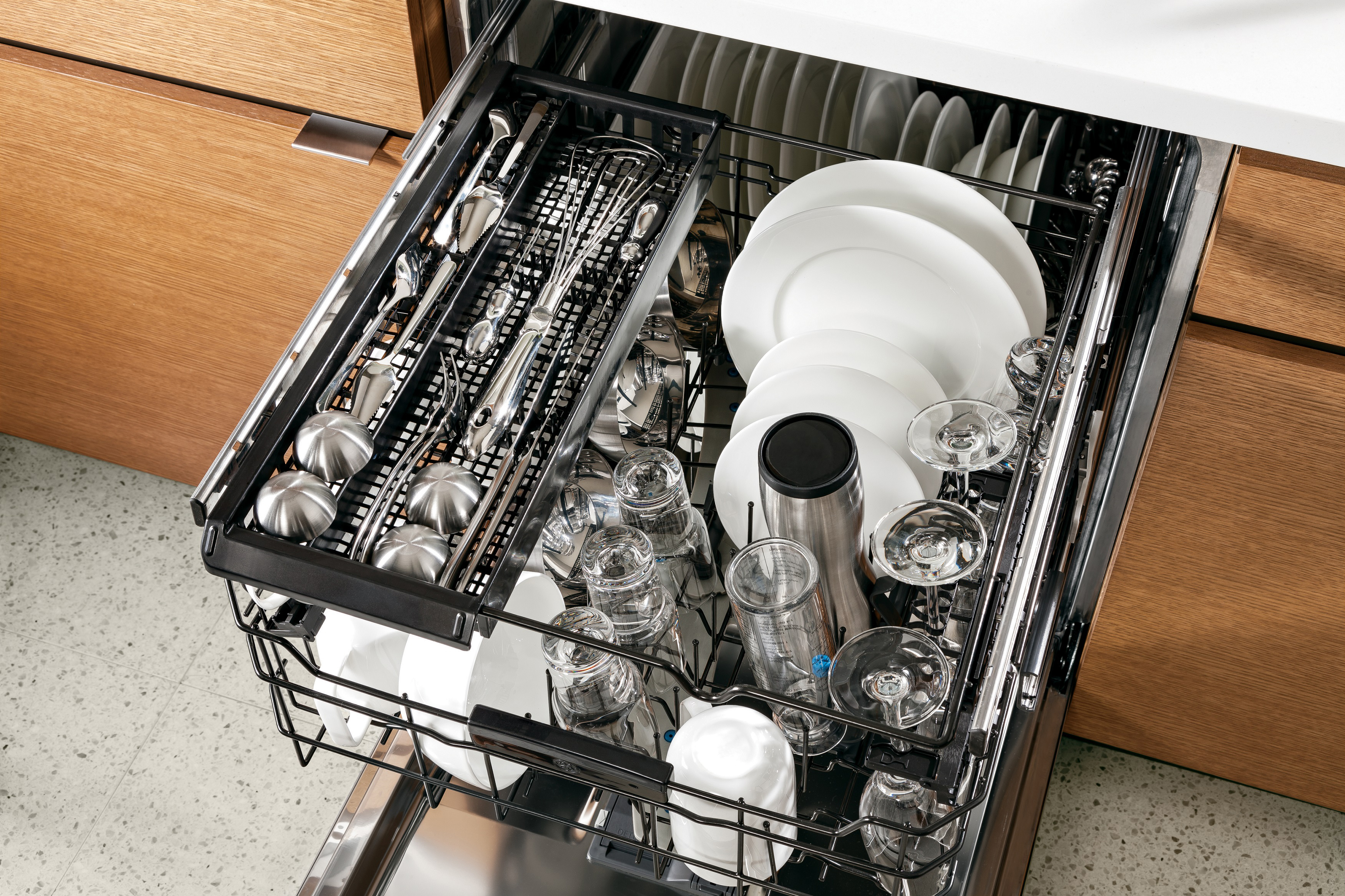 GE's new customizable third rack gives consumers loading flexibility. The rack extends fully and is made up of two trays that can be removed or repositioned for each load. (Photo: General Electric)