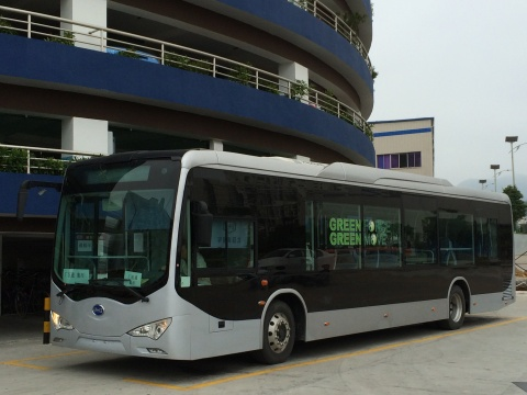 BYD 12 meter (40-foot), zero-emissions, all-electric rapid-transit bus can travel up to 24 hours on a single night-time (off-peak) charge. (Photo: Business Wire)
