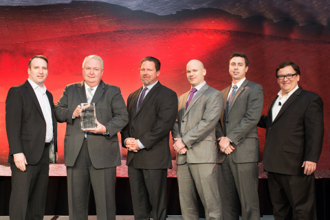 Port-A-Cool accepts the Grainger (NYSE: GWW) 2013 Supplier of the Year award during a ceremony held on March 12, 2014 at the company's annual supplier conference. (Photo: Business Wire)