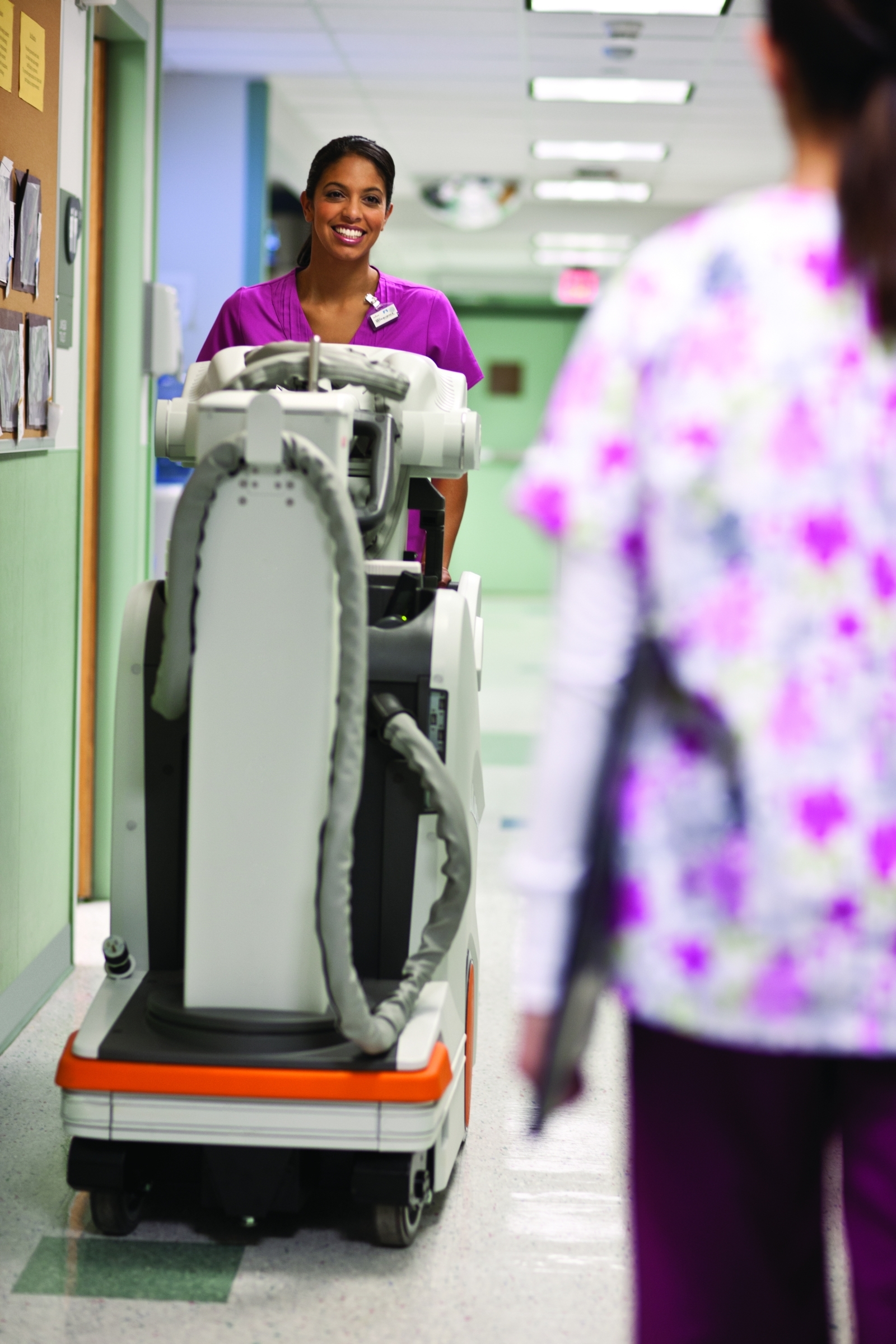 The CARESTREAM DRX-Revolution Mobile X-ray System features a small footprint, exceptional maneuverability, and an easy-to-use interface. (Photo: Business Wire)