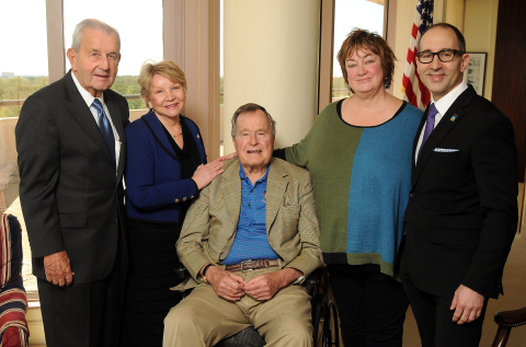 Pictured from left to right: Charlie Cheever, Chairman of Scobee Education Center Development Campaign; June Scobee Rodgers, Challenger Center Founding Chair; President George H.W. Bush; Jean Becker, Chief of Staff to President George H.W. Bush; Lance Bush, Challenger Center President & CEO. (Photo: Business Wire)