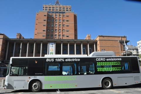 BYD's Zero-emissions, Pure-electric, 12-meter, Rapid Transit Electric Bus can travel up to 24 hours on a single night-time (off peak) charge unlike any other electric bus manufacturer (Photo: Business Wire)