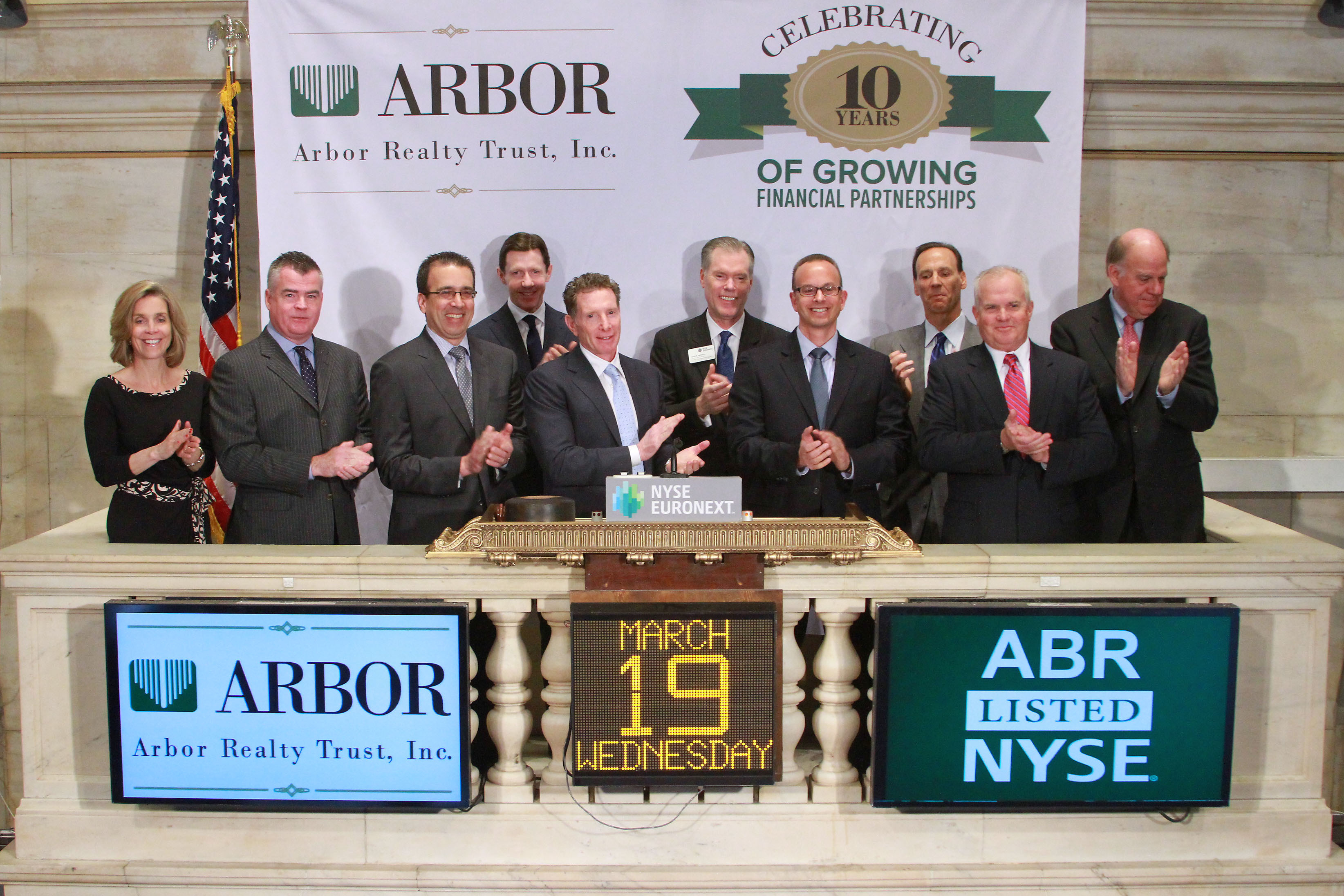 Arbor Realty Trust President and CEO Ivan Kaufman (center) and the company's executive management team celebrated the 10th anniversary of the REIT's public listing on the New York Stock Exchange by ringing the Opening Bell on March 19, 20l4. (Photo: Business Wire)