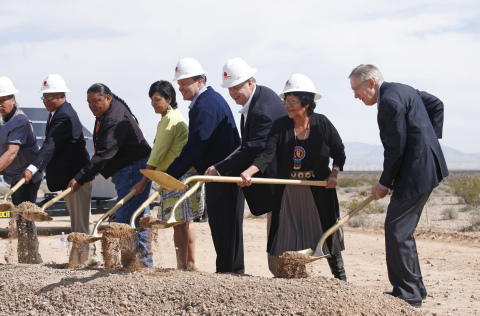 (From RIGHT to left) US Senate Majority Leader Harry Reid joins Moapa Band of Paiutes Chairwoman Aletha Tom, First Solar CEO James Hughes, LADWP director of power system planning and development Randy Howard, and the Moapa Band of Paiutes Tribal Council to break ground on the 250 MW Moapa Southern Paiute Solar Project. (Photo: Business Wire)