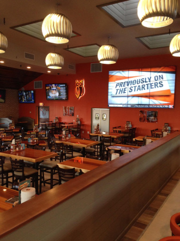 The brand new Hooters of San Marcos, Calif., will celebrate its grand opening on Friday, March 28 to showcase the fresh, modern design elements. (Photo: Business Wire)