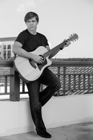 Singer/Songwriter Matt Robinson. (Photo: Business Wire)