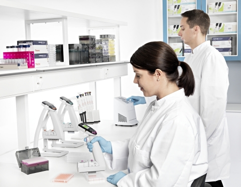 New Thermo Scientific E-1 ClipTip Electronic Pipettes Expand ClipTip Technology Portfolio by Speeding Up Sample Transfer Time and Reducing Repetition (Photo: Business Wire)