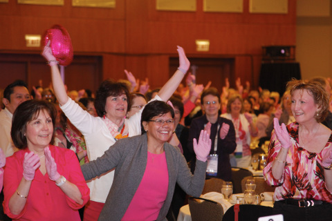 More than 800 operating room nurses dance at Medline's 9th Annual Breast Cancer Awareness Forum in Chicago to help kick off the 2014 Pink Glove Dance. The campaign unites nearly 200,000 healthcare professionals, patients and communities to celebrate hope for a cure and honor those affected by the disease - all through the joy of dancing. (Photo: Business Wire)