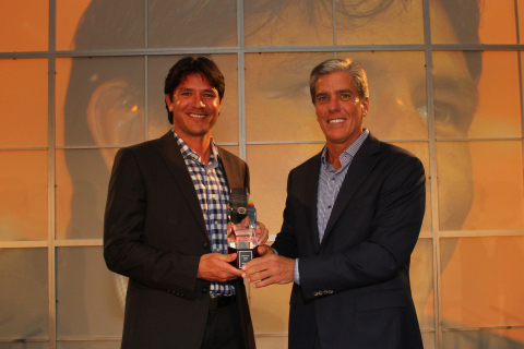 2014 Shell Legacy Award winner Brian Ching, managing director of the Houston Dash and MLS all-star, was honored by Marvin Odum, president of Shell Oil Company, at an annual awards dinner Tuesday night. (Photo: Business Wire)