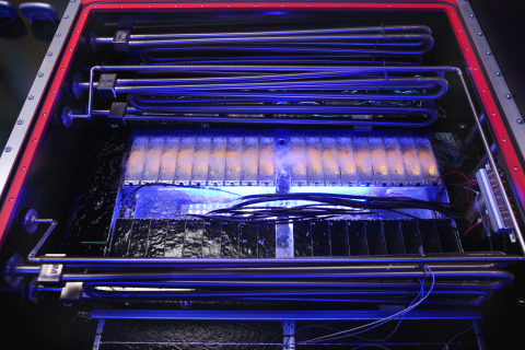 Two-Phase Liquid Immersion Cooling Technology Enabled by 3M(TM) Novec(TM) Engineered Fluid (Photo: 3M)