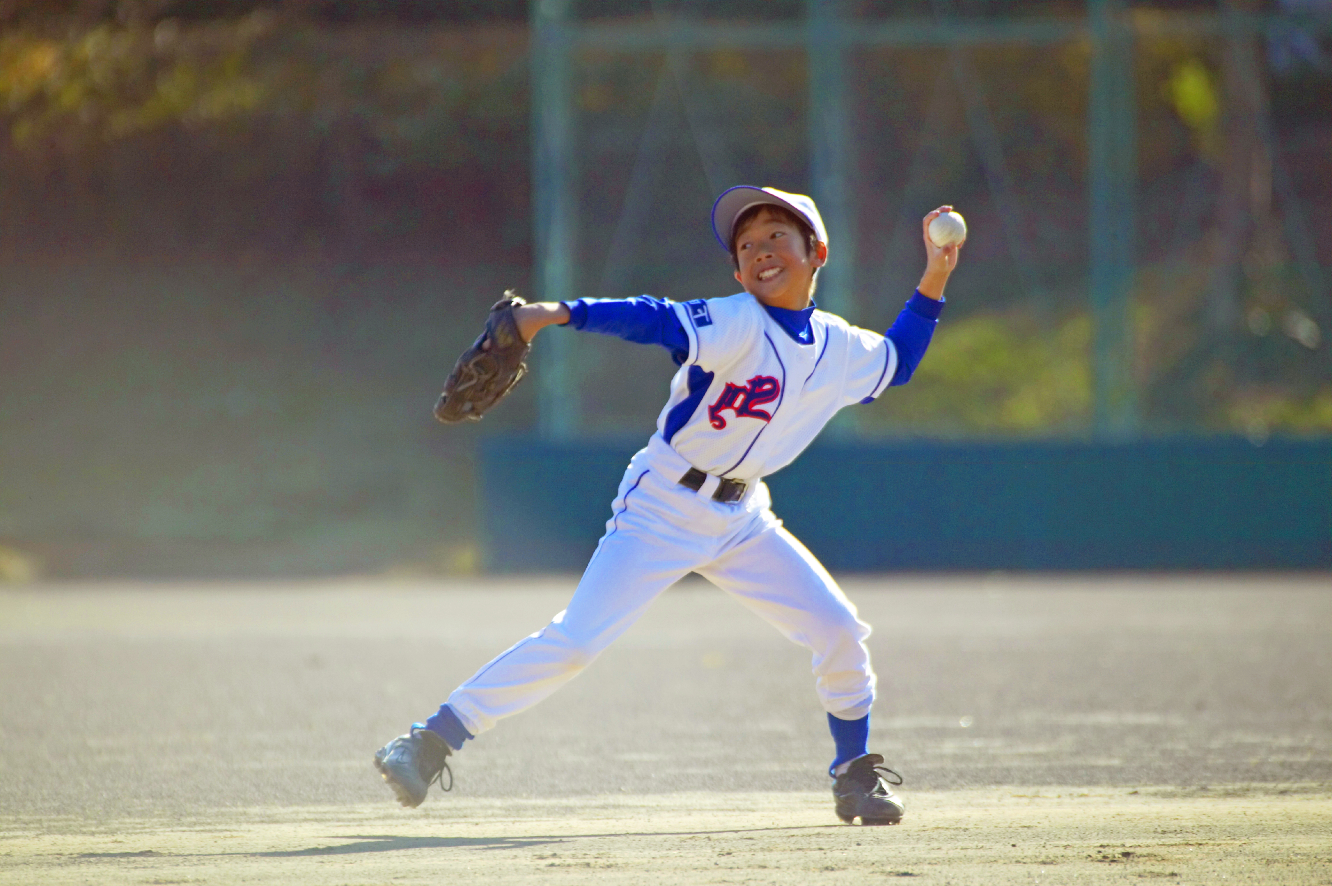 Shoulder injuries found in young baseball pitchers are similar to shoulder injuries found in volleyball players, says J. Lee Pace, MD, director of Sports Medicine, Children's Orthopaedic Center at Children's Hospital Los Angeles. (Photo: Business Wire)