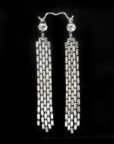 A pair of clip-on rhinestone earrings owned by Marilyn Monroe are going up for auction by Julien's Auctions through the Invaluable platform, estimated to sell for $150,000-200,000. (Photo: Business Wire)