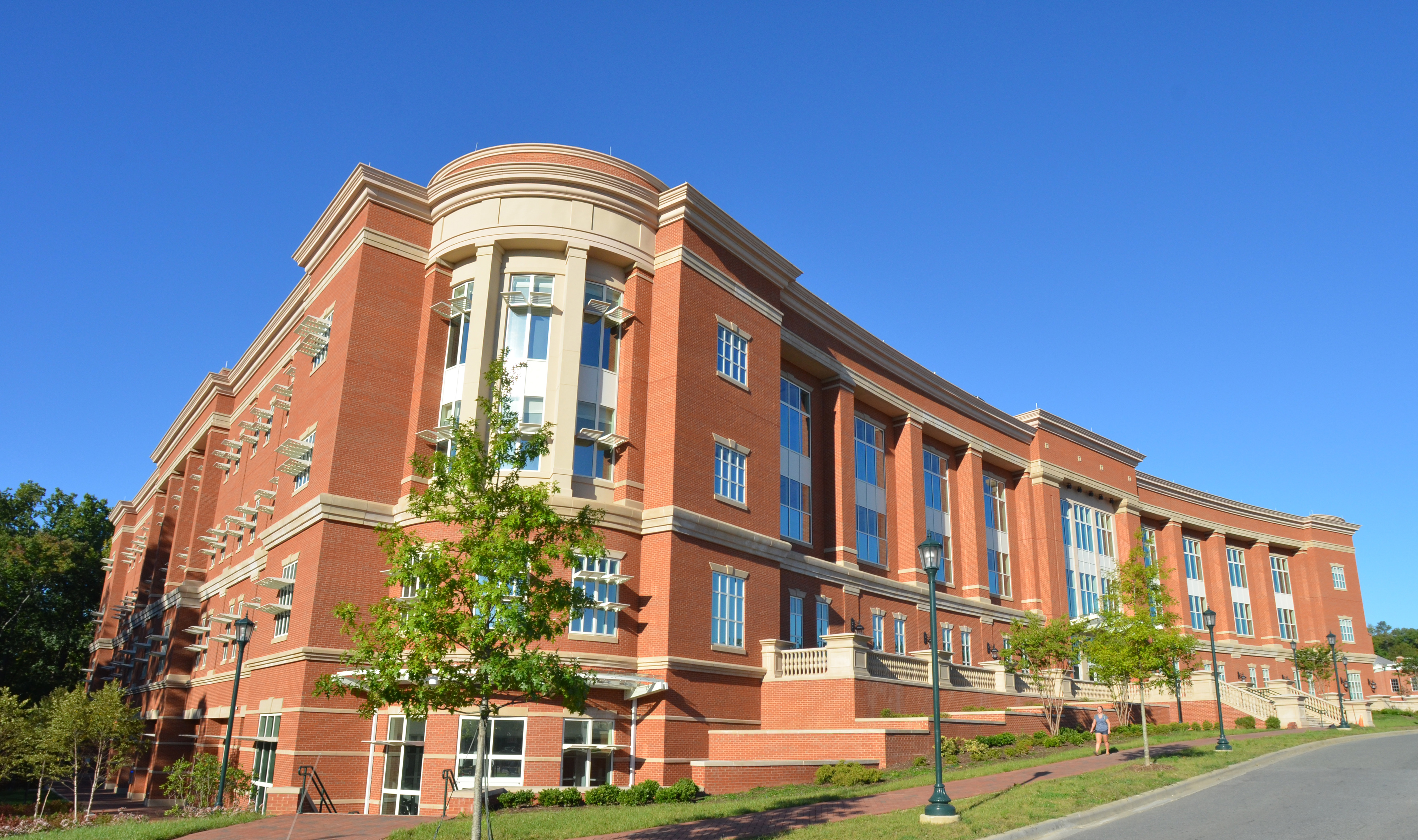 To help meet the meet demand in the energy industry, a new research and software grant from SAS includes energy forecasting technologies for the University of North Carolina at Charlotte's Energy Production Infrastructure Center (EPIC). (Photo: Business Wire)