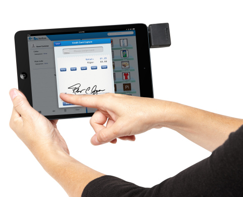 Top ISOs are meeting mobile POS needs of small and medium-sized businesses with VeriFone's GlobalBay Merchant -- a customizable mPOS solution tailored specifically for SMBs and is built for distribution solely through VeriFone channel partners. (Photo: Business Wire)