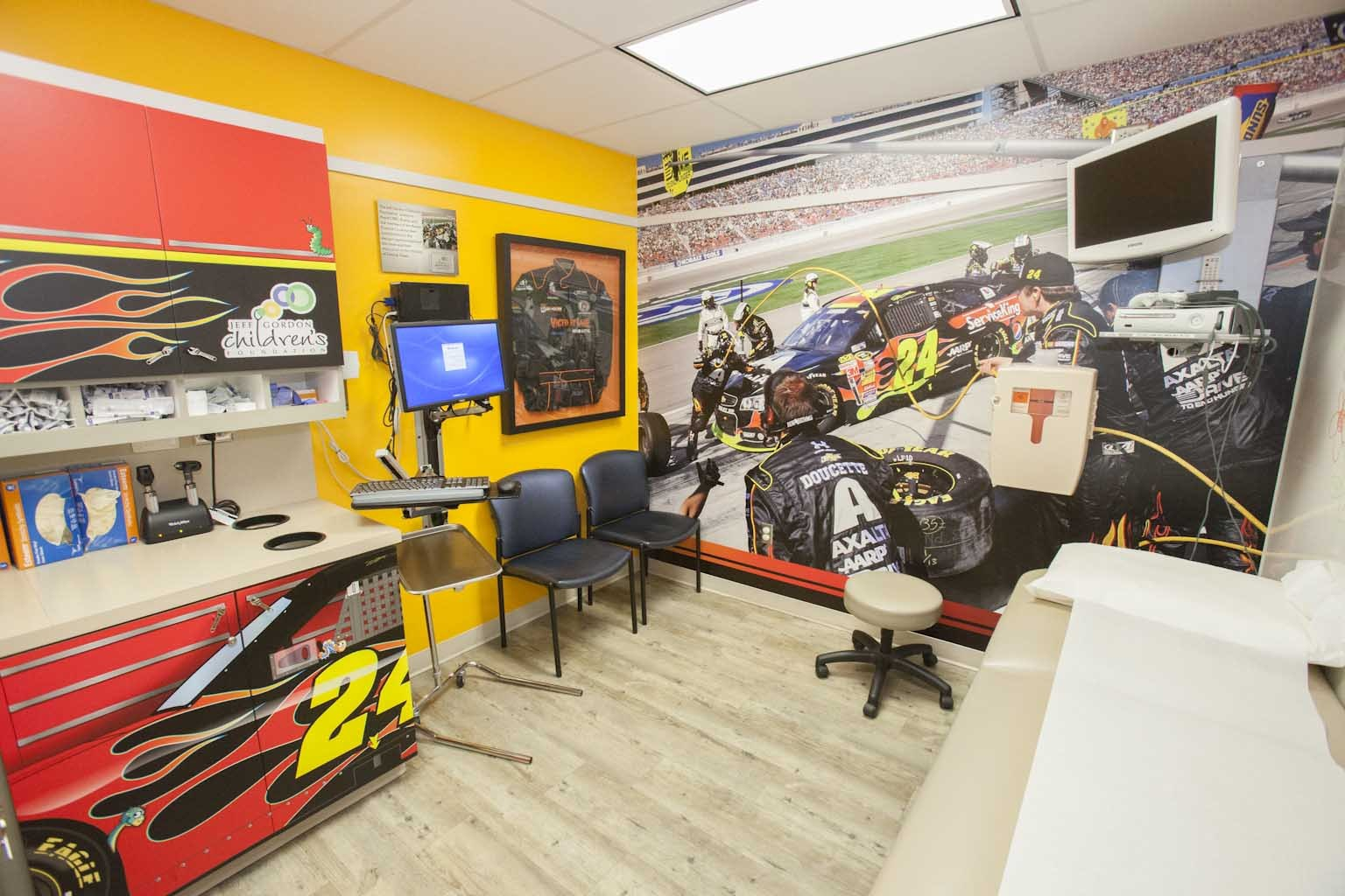 "Axalta Racing's ""Brilliant Flames"" at the Children's Blood and Cancer Center, part of Dell Children's Medical Center (Photo: Business Wire)"