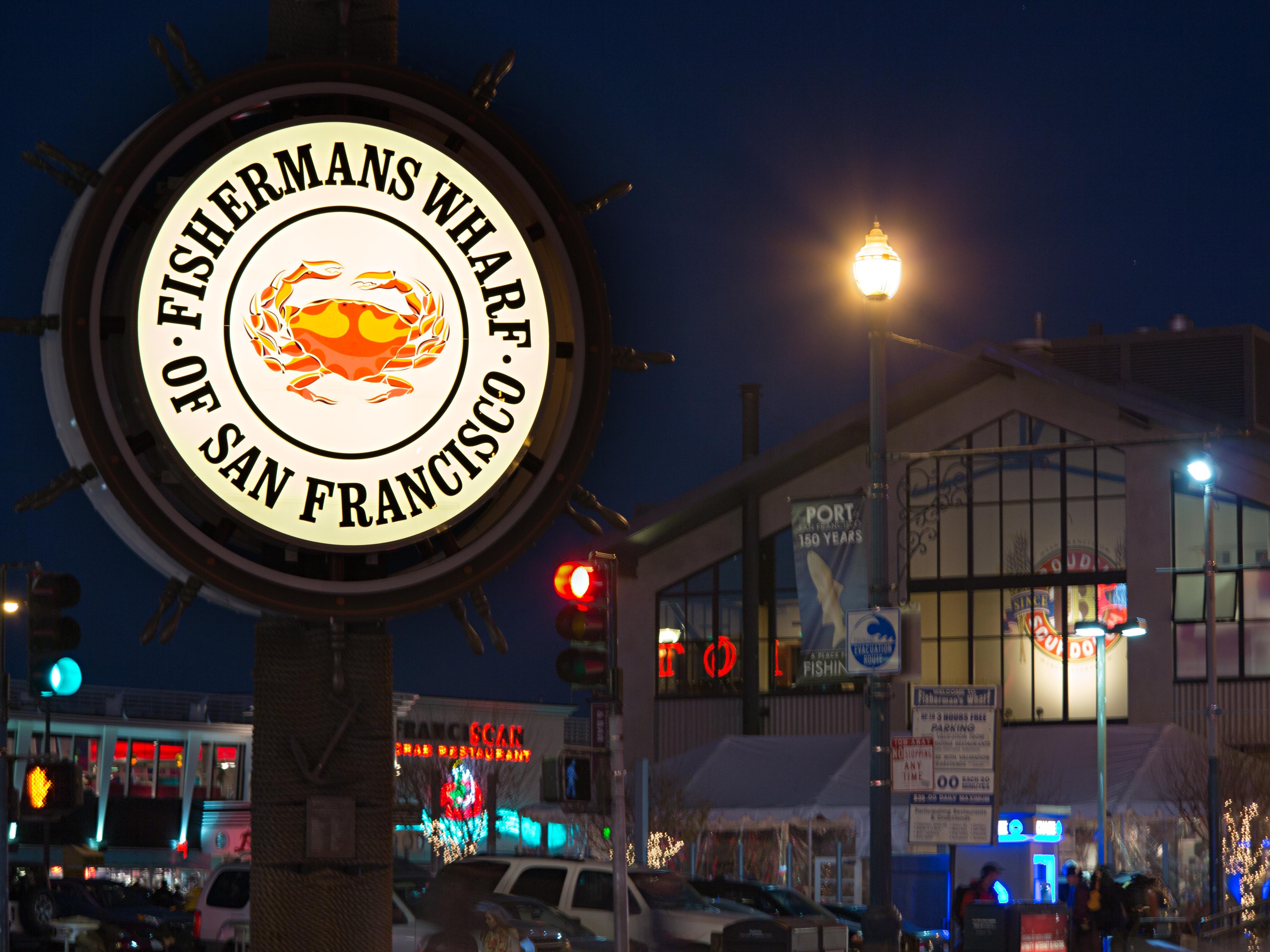 """The Fisherman's Wharf Community Benefit District recently restored San Francisco's cherished """"crab wheel"""" sign while saving an estimated 80 percent in lighting energy usage with GE Tetra® PowerStrip LED sign lighting. (Photo: General Electric)"""