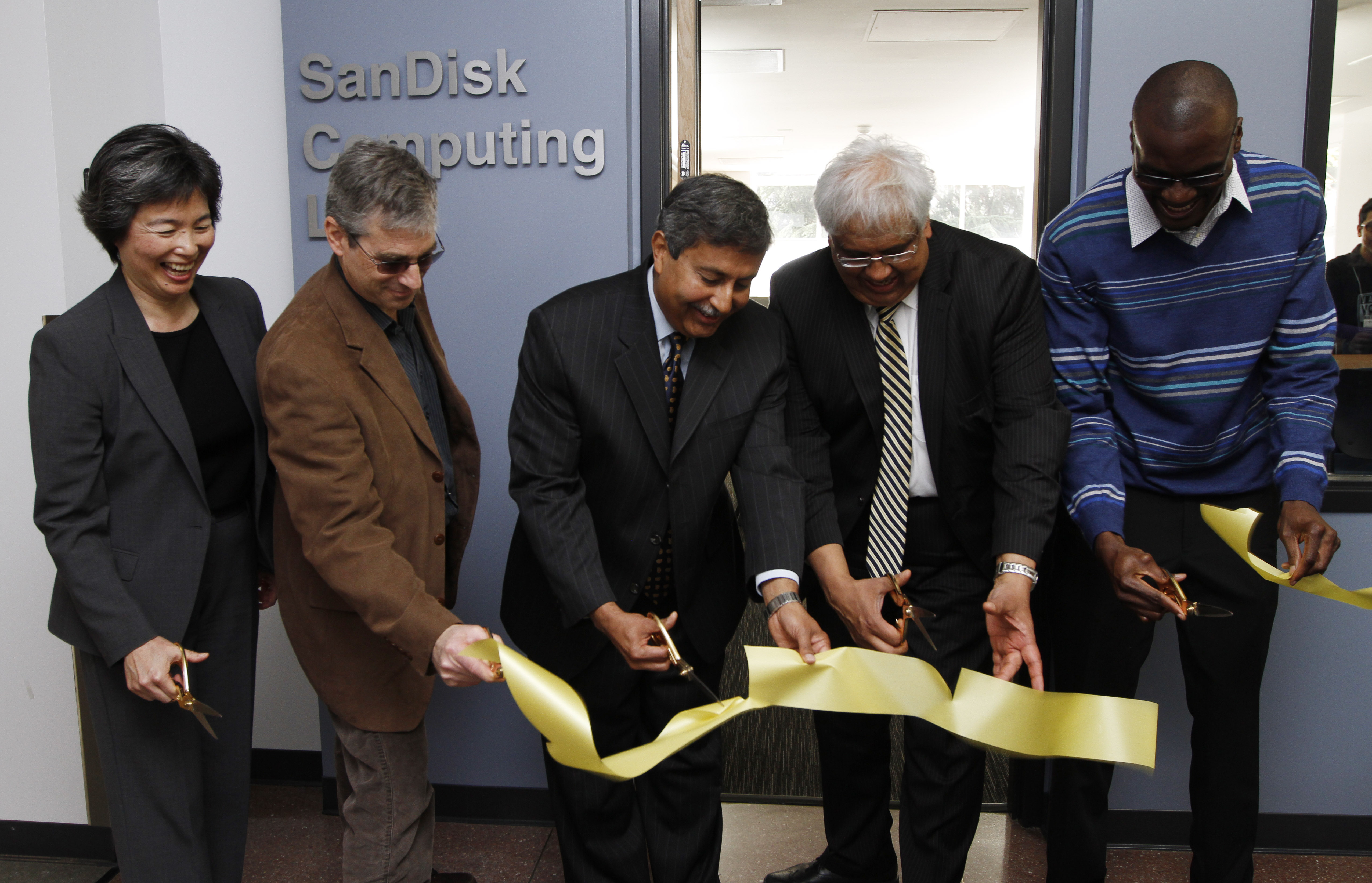SanDisk's donation to UC Berkeley will fund recently completed renovations to Cory Hall, and the undergraduate student Computing Lab, which has been renamed the SanDisk Computing Lab. (Photo: Business Wire)