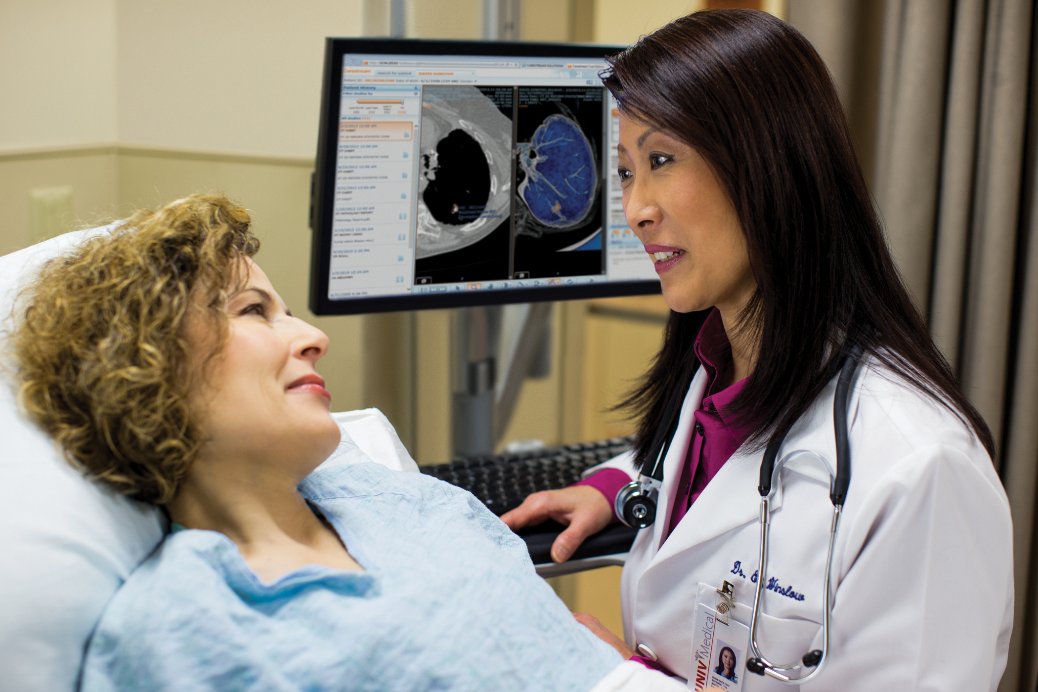 Carestream Health's Vue PACS supports multi-site reading of medical imaging exams and sharing of diagnostic information.(Photo: Business Wire)