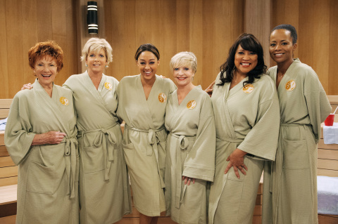 L-R:Marion Ross, Meredith Baxter, Tia Mowry-Hardrict, Florence Henderson, Jackee, Tempestt Bledsoe (Photo: Business Wire)
