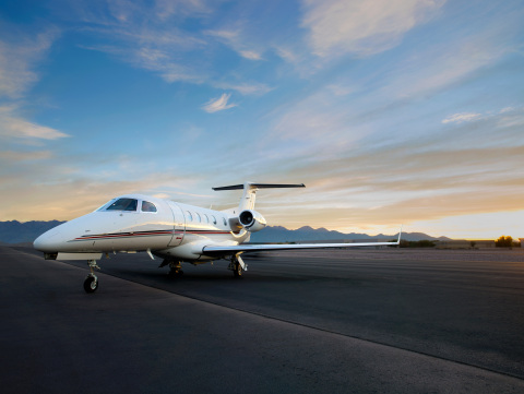 NetJets Signature Series Phenom 300 (Photo: Business Wire)