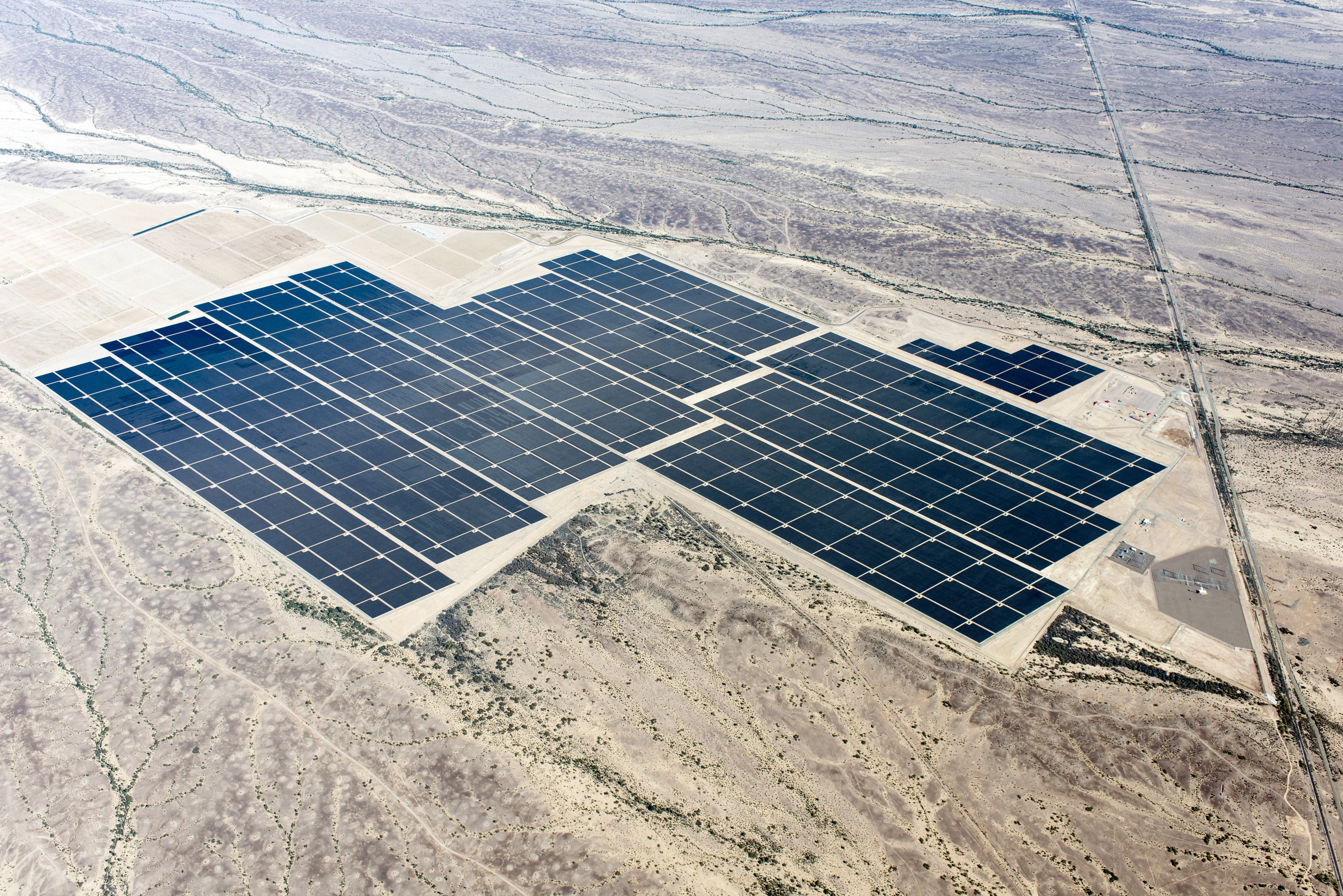 NRG Energy and MidAmerican Solar Complete Agua Caliente, the