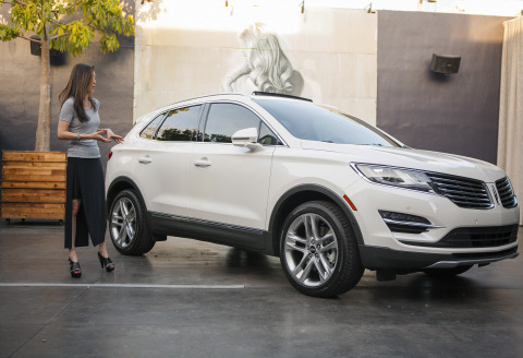The 2015 Lincoln MKC, the brand's first small premium utility, is engaging the senses through a tour of cities this spring. On April 29, the vehicle was at Cafeina Wynwood Lounge in Miami with Janet Seymour, Lincoln color and materials design manager. Seymour and celebrity chef Minerva Vazquez compared the similarities between their two disciplines, including the use of quality ingredients combined with meticulous preparation and attention to detail. (Photo: Business Wire)
