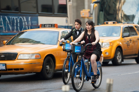 """New original series like """"Broad City,"""" starring Abbi Jacobson and Ilana Glazer (pictured here), have powered Comedy Central to its third consecutive quarter of year-over-year ratings growth. (Photo: Ali Goldstein)"""