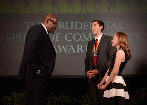 Academy Award-winning actor Forest Whitaker congratulates Christopher Younkins, 18, of Portland (center) and Kaylee Graham, 14, of Florence (right) on being named Oregon's top two youth volunteers for 2014 by The Prudential Spirit of Community Awards. Christopher and Kaylee were honored at a ceremony on Sunday, May 4 at the Smithsonian's National Museum of Natural History, where they each received a $1,000 award. (Photo: Business Wire)