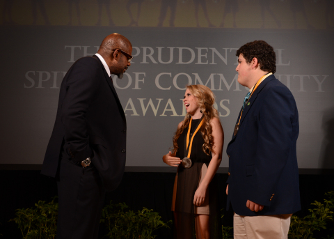 Academy Award-winning actor Forest Whitaker congratulates Reagan Norwood, 17, of Biloxi (center) and Jonah Holland, 14, of Belmont (right) on being named Mississippi's top two youth volunteers for 2014 by The Prudential Spirit of Community Awards. Reagan and Jonah were honored at a ceremony on Sunday, May 4 at the Smithsonian's National Museum of Natural History, where they each received a $1,000 award. (Photo: Business Wire)
