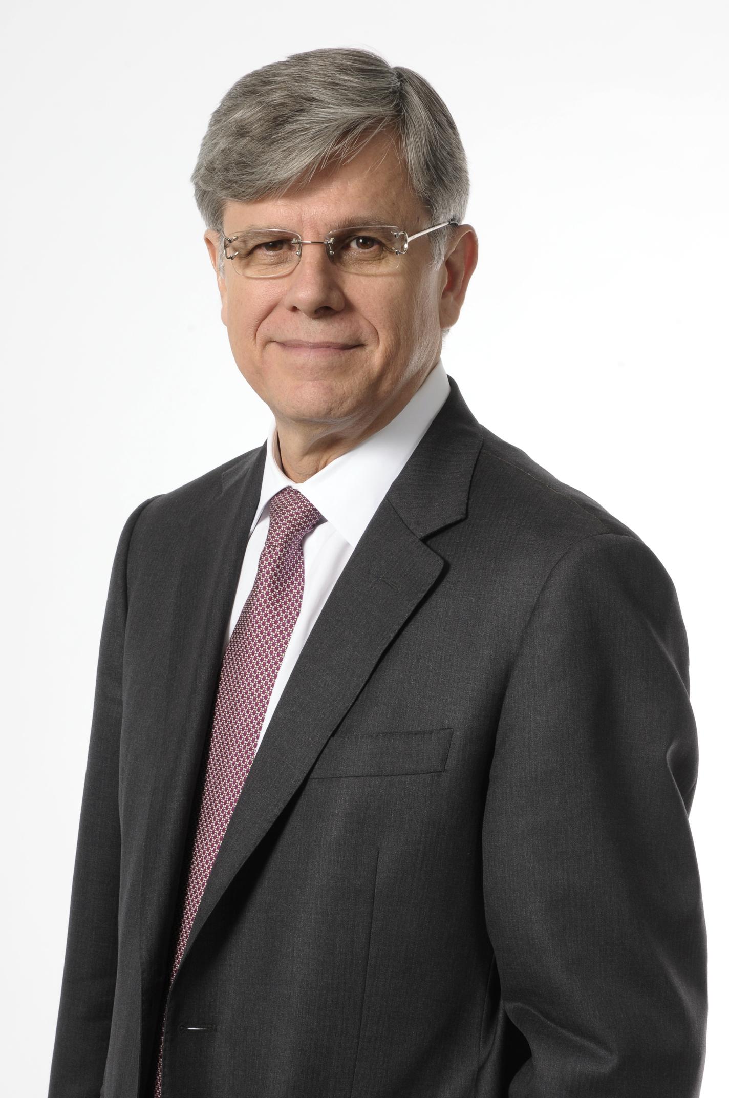 Mr. Fernando Gonzalez, CEO of CEMEX (Photo: Business Wire)