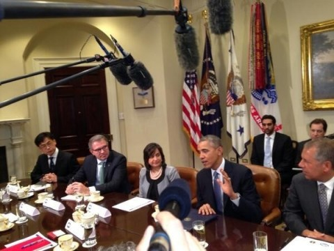 Image: Hankook Tire America Corp. President Byeong Jin Lee (left) meeting with President Obama at the White House for a SelectUSA Roundtable on investing in America. Photo Credit: Reuters