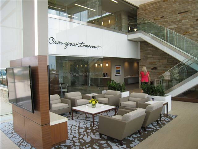 Charles Schwab's new retail branch in Lone Tree, Colo. (Photo: Business Wire)