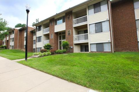 Skylark Pointe Apartments in Parkville, MD (Photo: Business Wire)