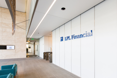 The LPL Financial tower in San Diego uses many energy-efficient technologies including fuel cells, under-floor air-distribution and LED lighting. (Photo: General Electric)