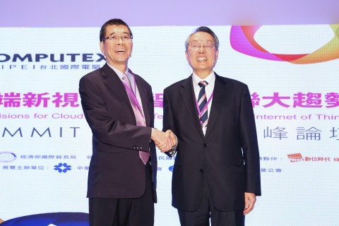Stan Shih, Acer Chairman (right) and Tsai Ming-kai, Mediatek Chairman (left) spoke at the Computex T ...