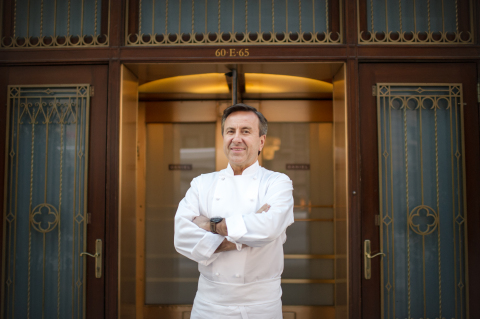 Renowned chef Daniel Boulud is joining Samsung Club des Chefs, an industry-first culinary initiative ...