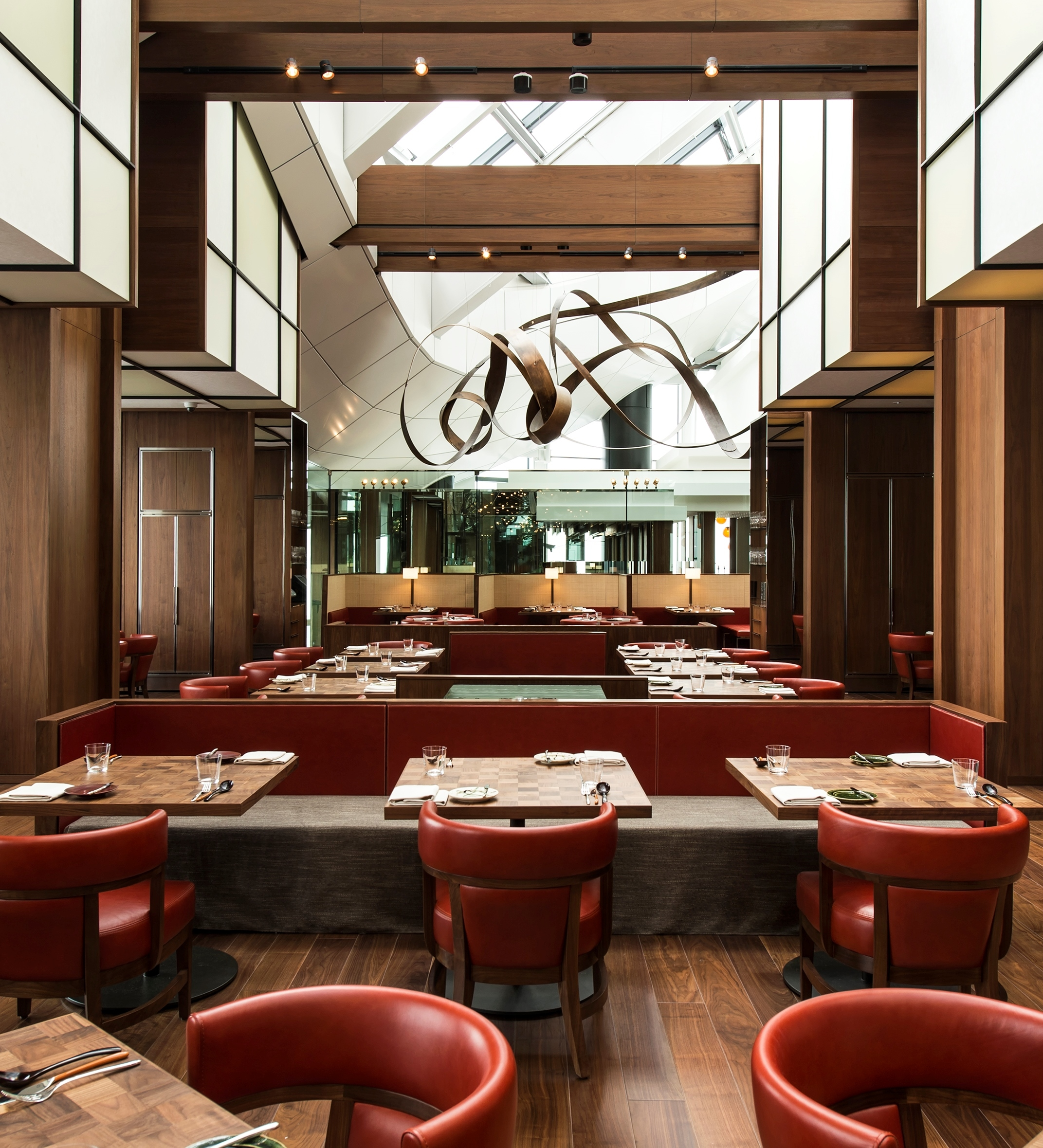 In a dramatic setting on the 51st floor, Andaz Tavern features refined European provincial cuisine prepared with seasonal Japanese ingredients. (Photo: Business Wire)