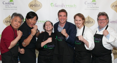 "World Renowned Athletes, Chefs and Culinary Celebrities Come Together for Family Reach ""Cooking Live"" presented by Amira fundraiser in Chicago (L-R): Takashi Yagihashi, Ming Tsai, Stephanie Izard, Mike Lee (Pro Boxer), Grant Achatz and David Burke (Photo: Business Wire)"