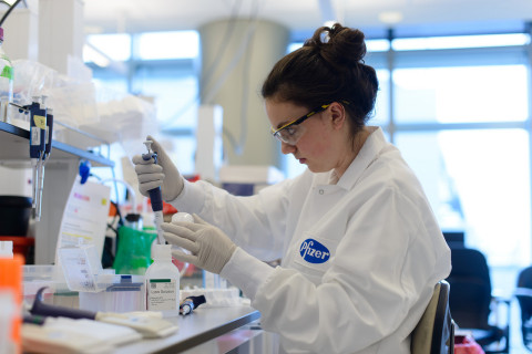 Pfizer's new Kendall Square facility brings together approximately 1,000 employees who will focus on R&D in therapeutic areas such as inflammation & remodeling, immunoscience, rare diseases, cardiovascular and metabolic disease, and neuroscience research. (Photo: Business Wire)